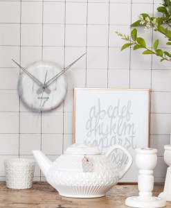 Karlsson marble dot clock
