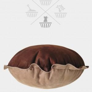 Sweet cake cushion pet bed