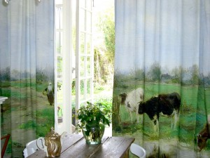 THE ART OF CURTAINS DURING DAY